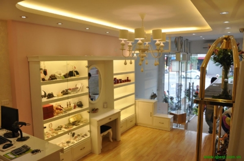Cosmetic & fashion shop INNEE